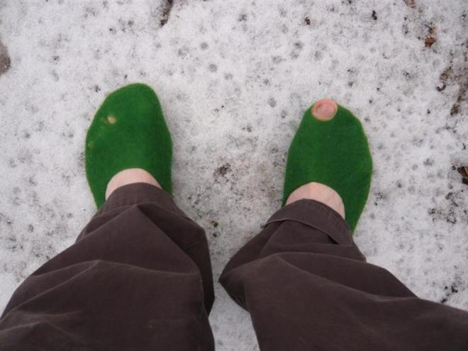 felt-shoes-medium