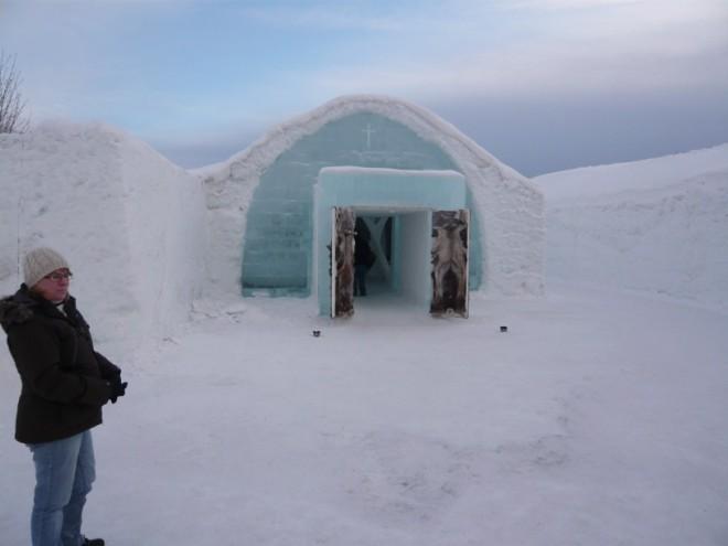 ice-hotel-2
