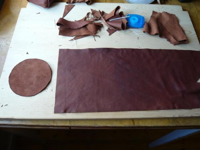 cut pieces of leather (Large)