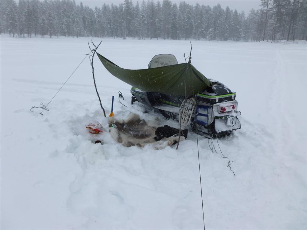 Small Fishing Shelters : Ice fishing shelter large