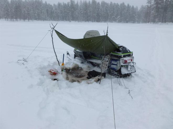 ice fishing shelter-1 (Large)