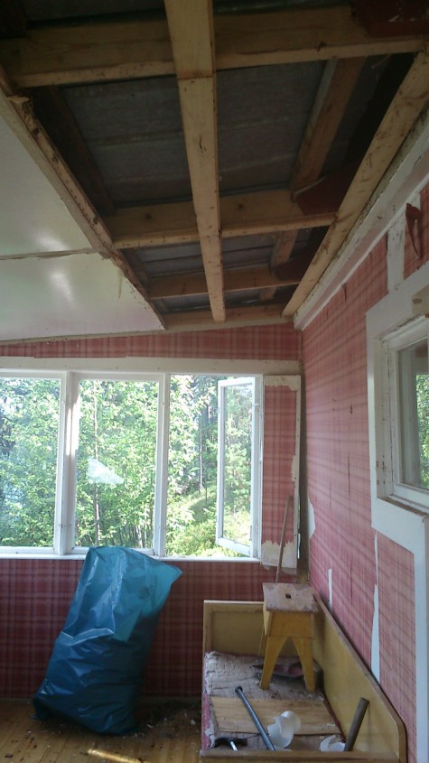 removing ceiling in veranda-2