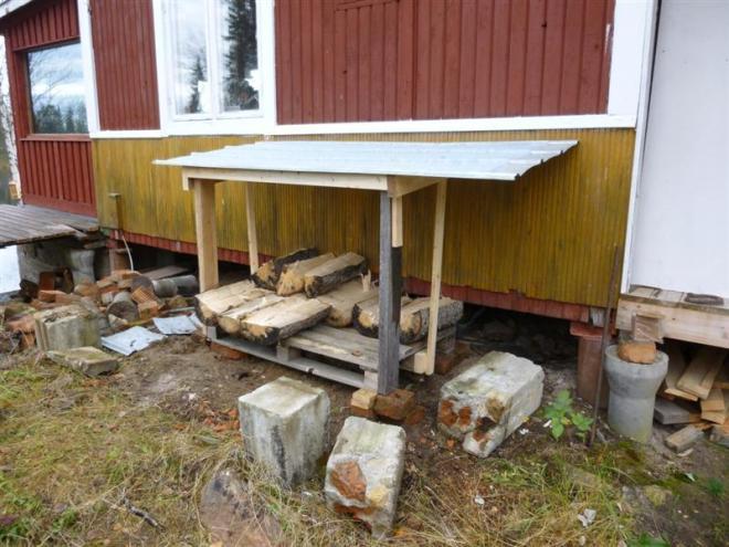 wood store (Medium)