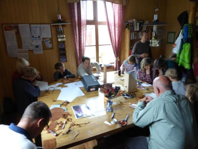 leather handcrafts workshop solbeget lapland (Medium)
