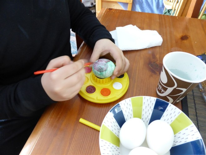 emma painting eggs-2