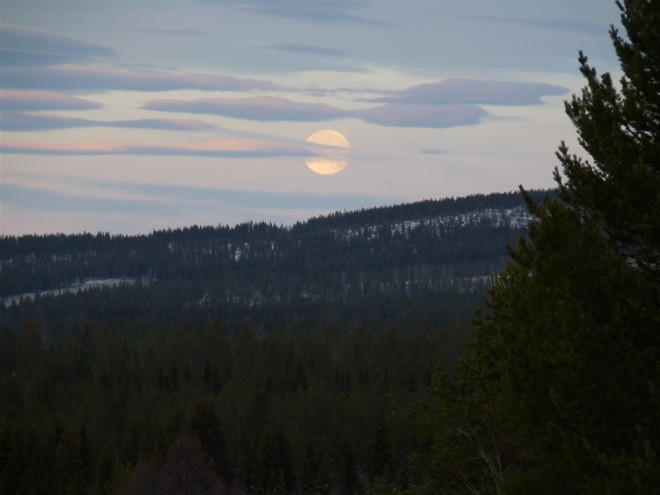full moon nattavaara
