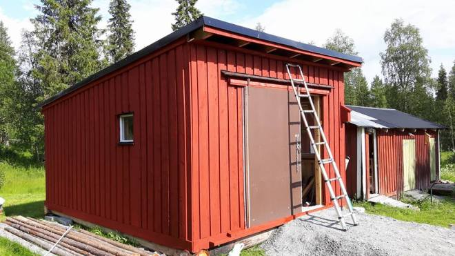 outbuilding painted-2