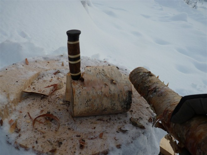 splitting-log-with-knife-5