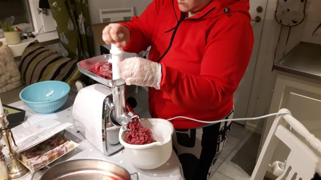 mincing moose meat